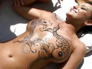 Hot lesbian Devi Emmerson get a figure for sunbath