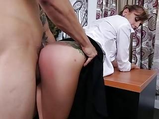 Office babe Dakota Vixin pussy smashed