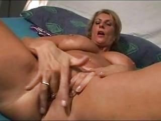 Dutch Big Tit Milf
