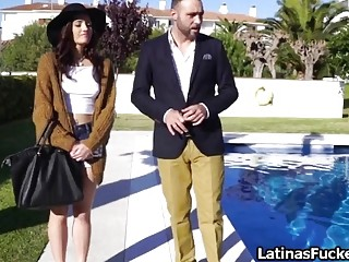 Latina rides reality agent for a better price