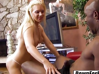 DOWN FOR BBC Heidi Mayne loves her man tall and with BBC