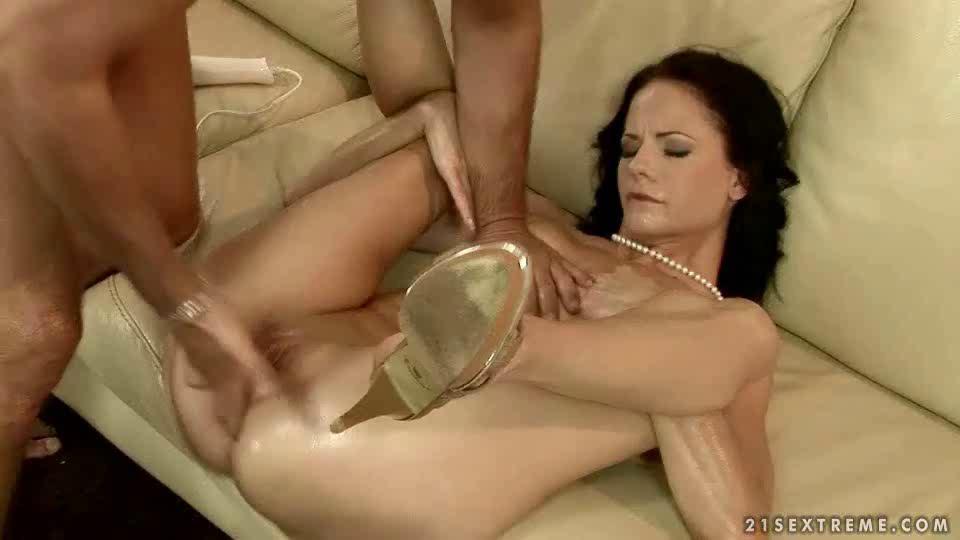 Women Eats Her Own Pussy